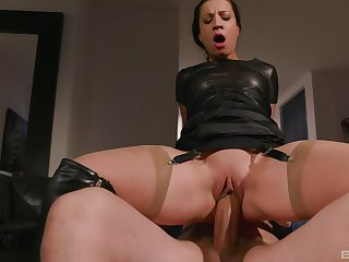 Kinky mature brunette in leather Teressa Unnatural gets a hardcore be thrilled by