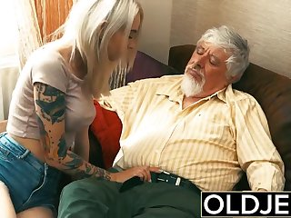 Old plus Young Teen Tow-haired Fucked by Old man tight pussy cock