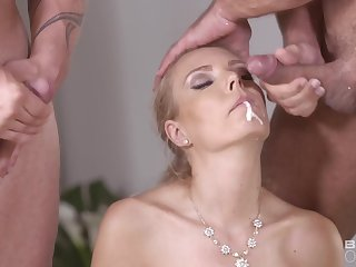 Double Penetrations My Stepsis With Me - FMM Gangbang