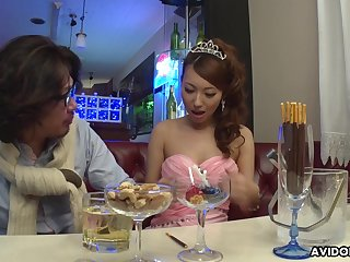 Abandoned Japanese young gentleman Mai Takizawa needs no party but good pussy fingering