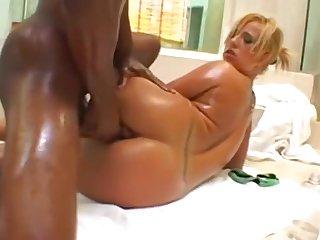 Georgia Peach Straight Out Along to Shower - Interracial sex