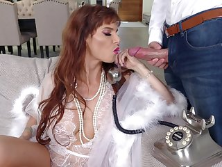 Really stunning MILF Syren De Mer is ready almost thither weasel words into her mouth for BJ
