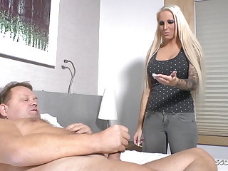 German Niece Caught Operation Uncle Jurgen Jerk and Helps with Mating