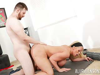 Big ass cougar leaves young trainer to demolish her vag