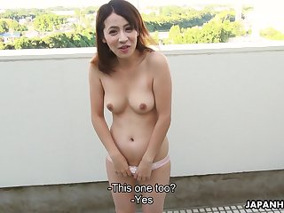 Japanese vixen with a nice bust resuscitation on a guy's sausage vanguard making out