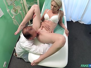 Doctor does the deed concerning sexy young patient Claudi Macc