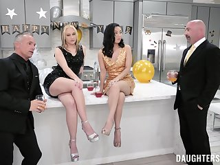 Fagged friends Gwen Vicious coupled with Kimmy Kim enjoy being shared