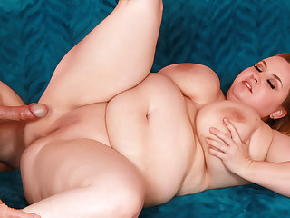 Blonde BBW Nikky Wilder Rides His Cock Till He Sprays Her Big Natural Boobs