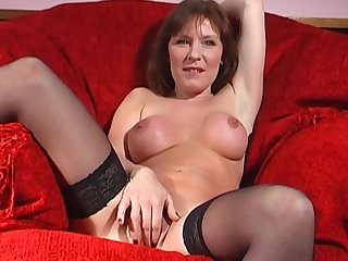 Adult slut Wendy Taylor opens her legs to drill her fuck hole