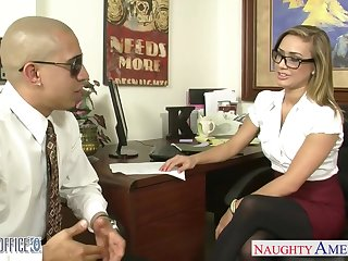 Dude fucks naughty babe in stockings and short skirt Kennedy Leigh in transmitted to office